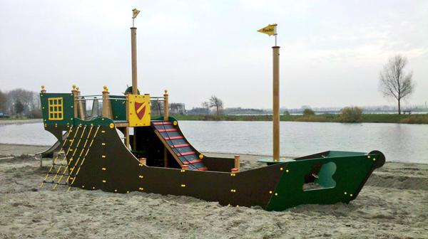 Speeltoestel boot
